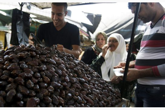 Selling Dates in Iraq, Memories of Ramadan