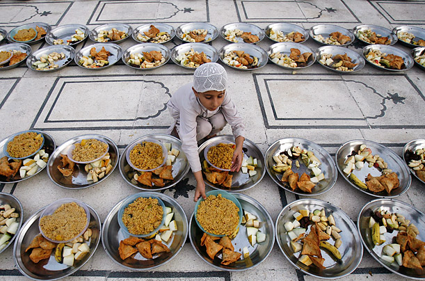 Preparing for Iftar in Ramadan